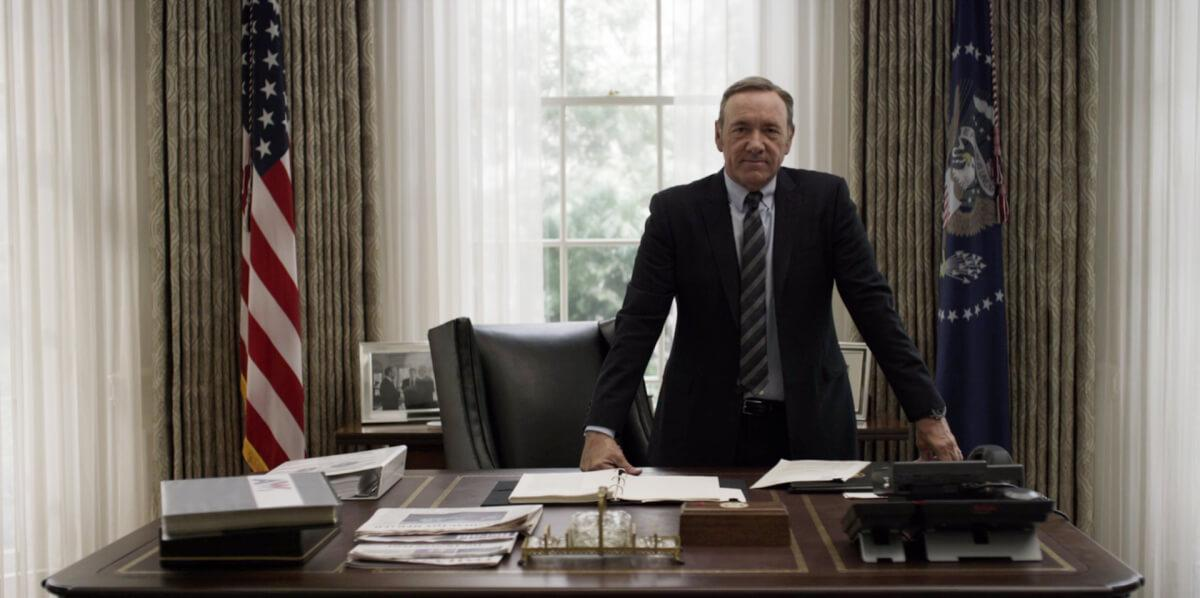Realistic House of Cards Decor - Frank Underwood in the Oval Room